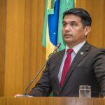 Deputado Wellington pressiona Flávio Dino a divulgar gastos de viagens