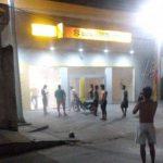 [VÍDEO] Bandidos metralham carro da polícia e explodem três bancos em Tutóia