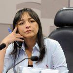 Eliziane Gama esquece o coronavírus e parte pra cima de Bolsonaro