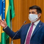 """""""Escândalo: Flávio Dino já contratou quase R$ 20 milhões em serviços de buffet e cerimoniais"""", denuncia deputado Wellington"""