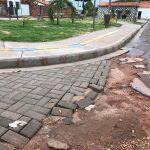 Edivaldo entrega praças inacabadas no bairro da Cidade Operária