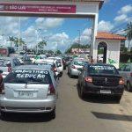 Governo estuda redução do ICMS na gasolina para motoristas de aplicativos e taxistas no Maranhão