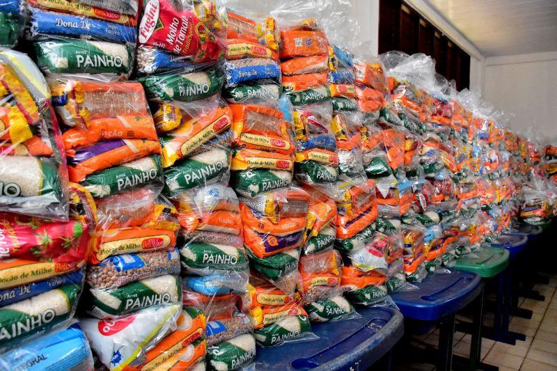 36556_9ef9e31b-8c90-0a2b-7bed-314e7e58da46 Eduardo Braide acompanha início da entrega de kits de alimentação escolar às famílias da Zona Rural