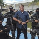 Policial Militar do Maranhão é exonerado do cargo após foto com Bolsonaro; SSP nega relação
