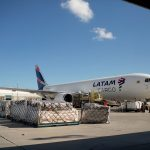 Após pedido da DPE, Justiça determina que a Latam volte a transportar radiofármacos para São Luís