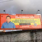 Sem participar de nenhuma reunião do Plano Diretor de São Luís, Simplício Araújo volta a se promover em outdoors